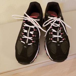 Avia Athletic Shoes size 8